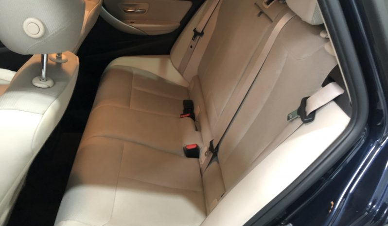 BMW – SERIE 3 318D TOURING lleno